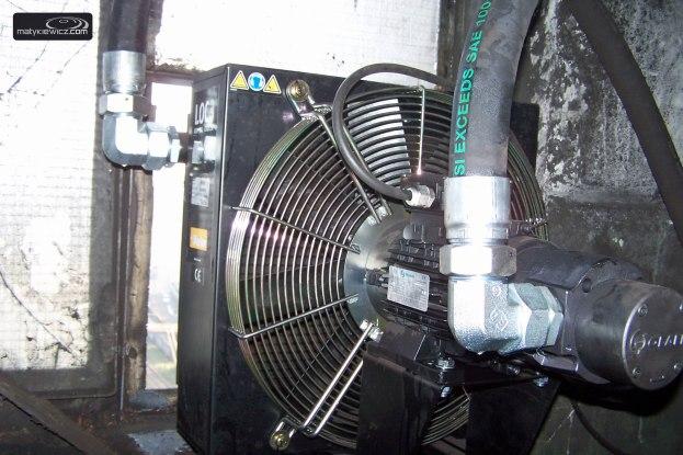 Chłodzenie elektromagnesu olejowo-powietrzne
